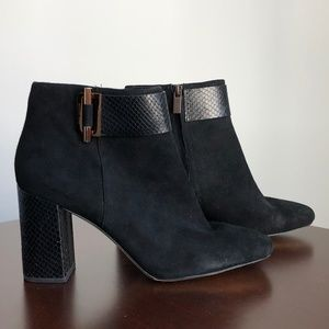 Micheal Kors Black Suede Booties Size 10M